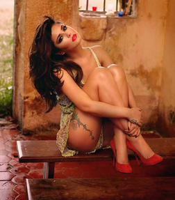 Cheryl Cole online