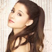 Ariana Grande online