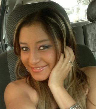 Estefy Pacheco online